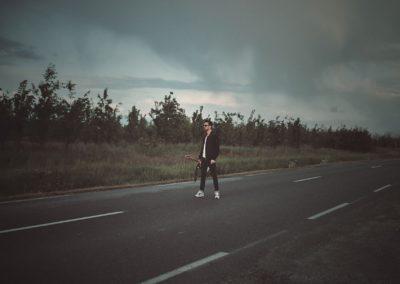 charlie-couteau-sur-la-route